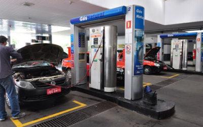 Com os preços de gasolina e diesel em alta, gás natural vira alternativa